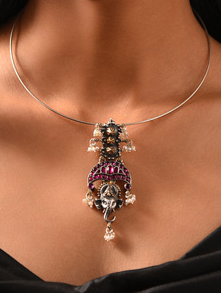 Maroon Dual Tone Kempstone Encrusted Temple Silver Pendant with Pearls