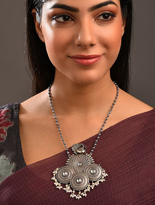 Silver Tone Tribal Necklace With Pearls