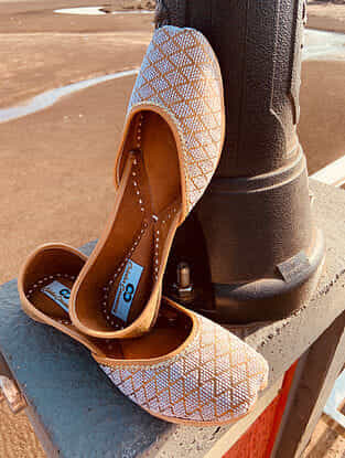 Gold Handcrafted Faux Leather Juttis