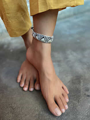 White Black Handcrafted Thread Anklet