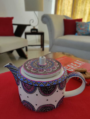 White Handcrafted Ceramic Kettle (H - 4.5in)