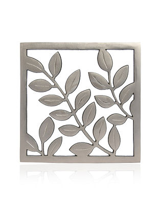 Leaf Silver Aluminum Trivet (8in x 8in)