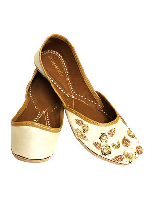 Off White Hand Embroidered Genuine Leather Juttis