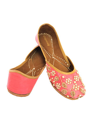 Pink Hand Embroidered Genuine Leather Juttis