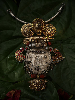 Ekaa-Vintage Silver Pendant with Coral and Ruby