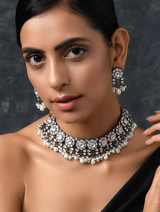 White Silver Tone Kundan Necklace with Earrings