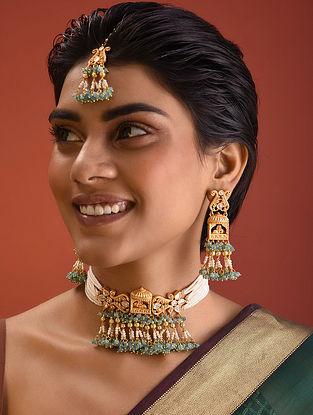 Green Gold Tone Kundan Pearl Beaded Necklace And Earrings With Maangtikka