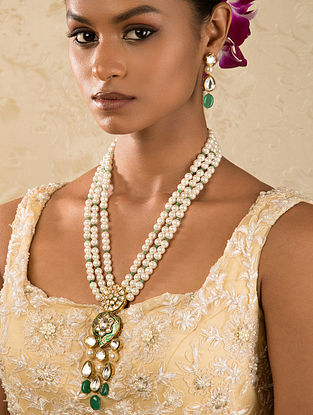 Green White Gold Tone Kundan Beaded Necklace And Earrings With Quartz And Pearls