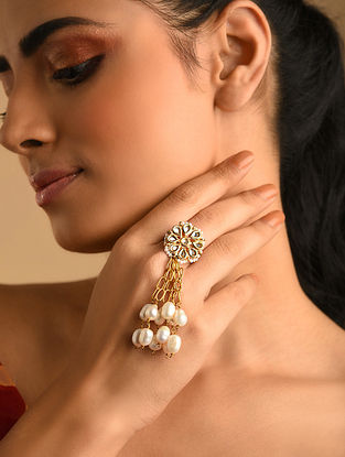 Gold Plated Kundan Ring With Pearls
