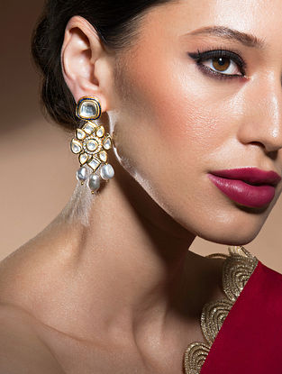 Grey Gold Tone Kundan Earrings With Quarts And Pearls