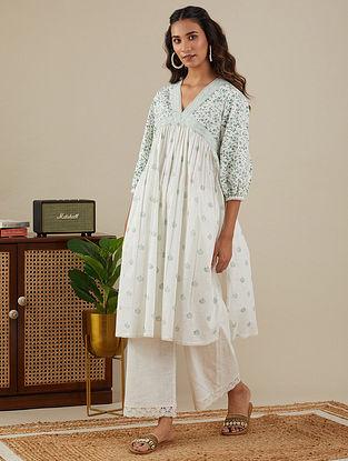 White Leafy Green Block Printed Slub Cotton Kurta and Pants with Lace Detailings (Set of 2)