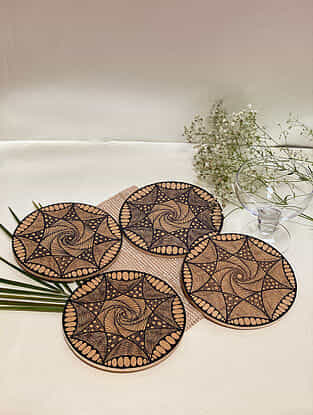 Brown Spiral Hot Plate (Set Of 4) (Dia- 6in)