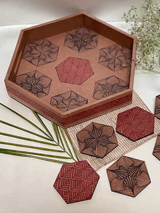 Brown Hexagon Paradox Tray And Coaster Set (W- 10.5in, Dia- 3in)