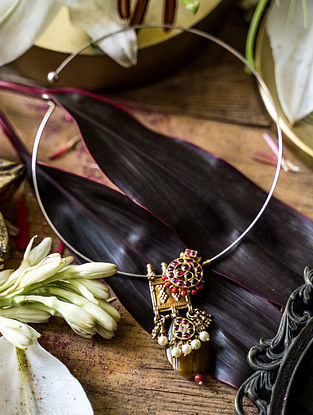 Red Gold Plated Silver Hasli Necklace With Pearls