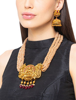 Red Brown Gold Tone Temple Necklace And Earrings With Agate