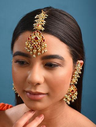 Red Gold Tone Kundan Earrings With Maangtikka