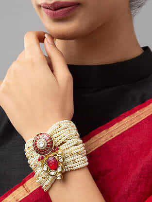 Red White Gold Tone Kundan Beaded Bracelet With Agate