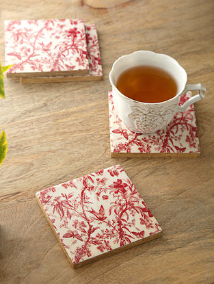 White, Red And Mango Wood Coasters (Set Of 4) (L- 4in, W- 4in)