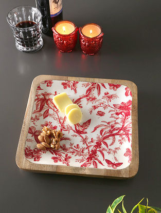 White, Red And Mango Wood Plate (L- 11in, W- 11in, H- 1in)