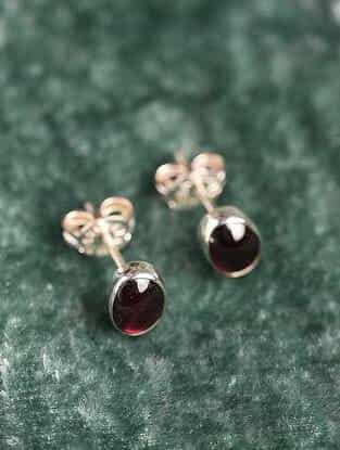 Silver Oval Earrings With Garnet
