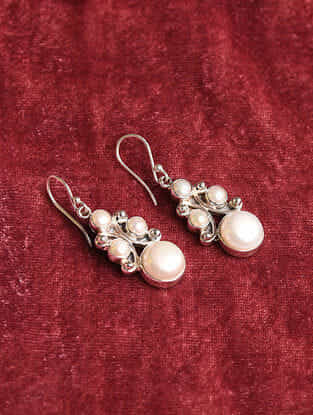 Silver Earrings With Cultured Freshwater Pearl