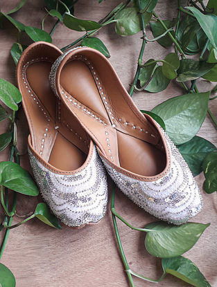 White Handcrafted Cotton Leather Juttis