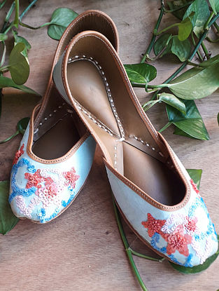 Blue Handcrafted Cotton Leather Juttis