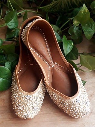 Beige Handcrafted Cotton Leather Juttis