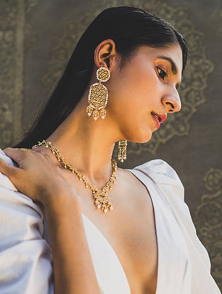 Gold Tone Handcrafted Necklace With Pearls