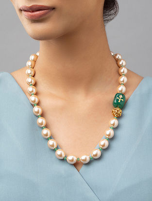 Green Gold Tone Pearl Beaded Necklace With Agate And Onyx