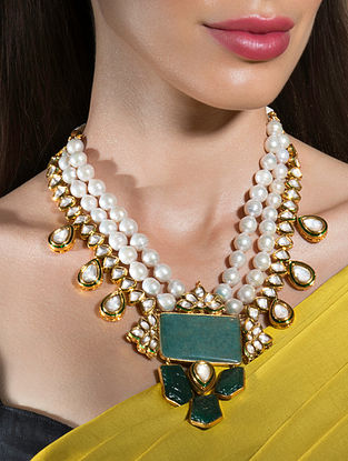Green White Gold Tone Kundan Beaded Necklace With Pearls