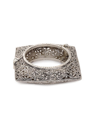 Tribal Silver Hinged Opening Bangle (Bangle Size: 2/4)