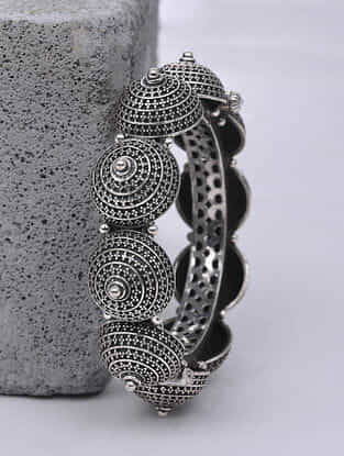 Tribal Silver Hinged Bangle (Size: 2/4)