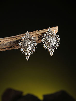 Pearl Kundan-inspired Silver Earrings