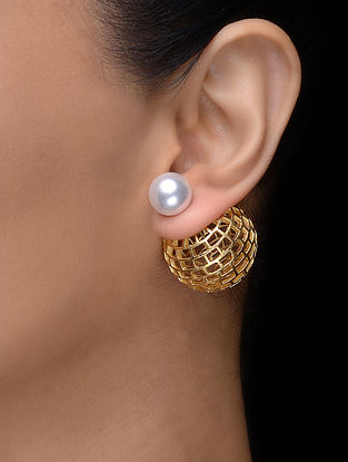 Classic Gold Tone Earrings with Pearl