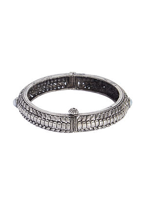 Hinged Opening Tribal Sterling Silver Bangle (Bangle Size -2/4)