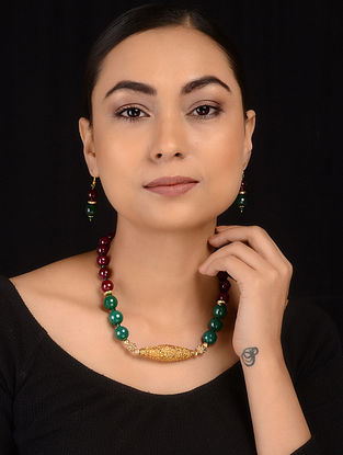 Green-Red Gold Tone Necklace with Earrings (Set of 2)