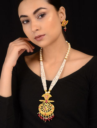 White-Red Gold Tone Necklace with Earrings (Set of 2)