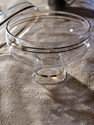Kimono Glass Bowl and Lid with Gold Plating (L:5.51in, W:5.51in, H:5.12in)