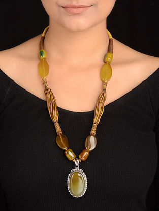 Yellow-Green Agate Thread Silver Necklace