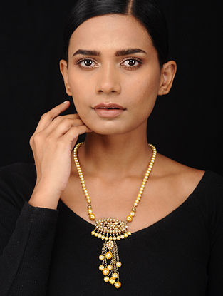 Shell Pearl Beaded Kundan-inspired Silver Necklace