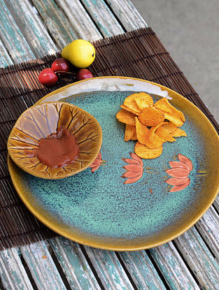 Round Lotus Etched Dip Plate with Attached Katori 11.5in x 11.5in x 2in