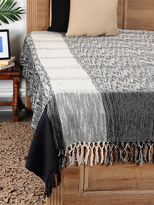 Black and White Handloom Cotton Double Bedcover (108in x 88in)