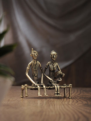 Dhokra Brass Table Accent with Couple on Bed Design (L:4in, W:1.7in, H:4.2in)