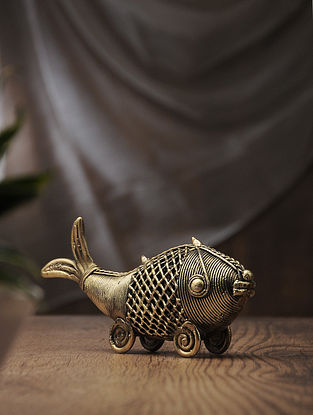 Dhokra Brass Table Accent with Net Fish (L:8.1in, W:1.6in, H:3in)