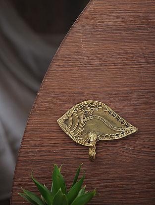 Dhokra Brass Sankha Single Hook (L:3.5in, W:4.5in)