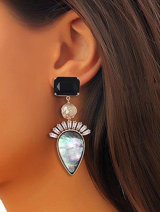 Black-White Mela Drops Earrings