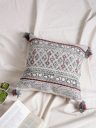 Multicolored Cotton Cushion Cover with Tassels (17.5in x 17.5in)