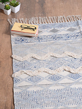 Black-White Handwoven Cotton Rug (6ft 10in x 4ft)