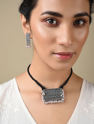 Silver Tone Tribal Necklace And Earrings With Pearls
